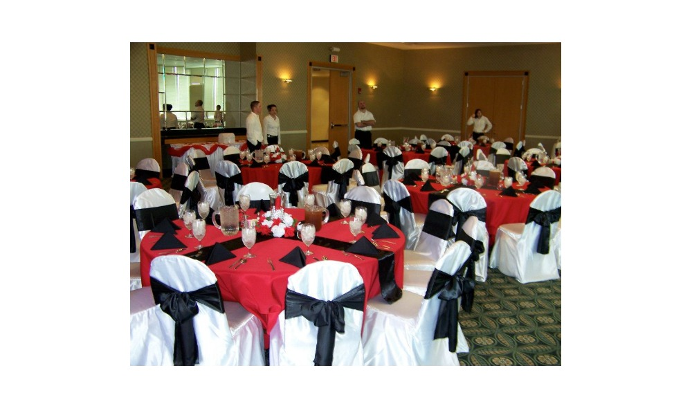 black and red tables